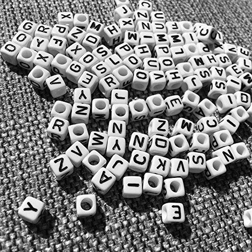 a84c1a4c84ae free shipping 500 piezas Cuentas de letras Cuentas de acrílico Cuentas de  artesanía Cuentas de artesanía Cuentas blancas con letras negras Cubo ...