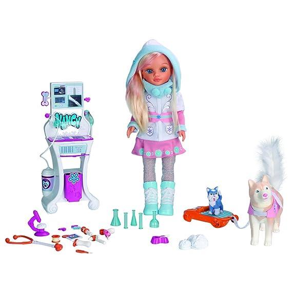 Nancy Rescate en la nieve, muñeca y accesorios (Famosa 700012727)