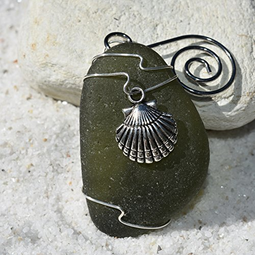 Custom Surf Tumbled Sea Glass Ornament with a Silver Clam Shell Charm - Choose Your Color Sea Glass Frosted, Green, and Brown. ()