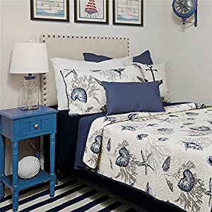 61pztzewEjL._SS300_ Coastal Bedding Sets & Beach Bedding Sets