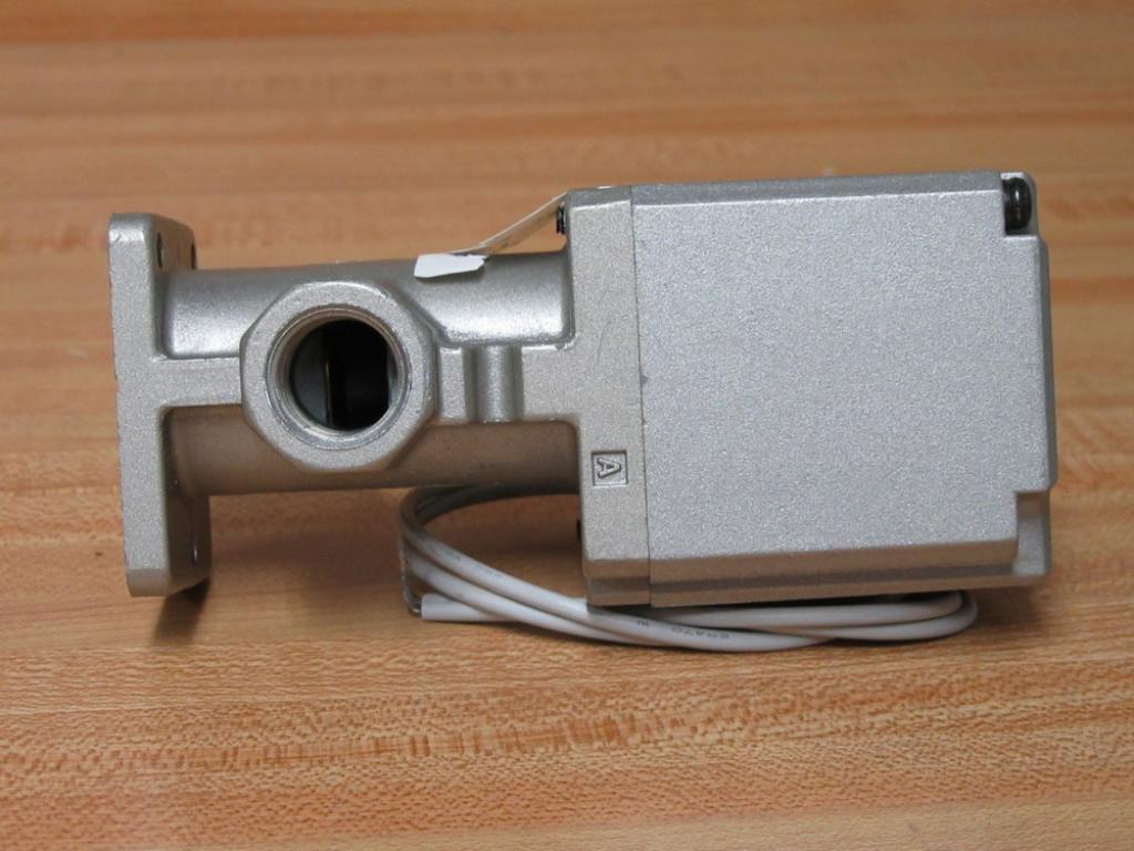 Details about  /1pcs new SMC solenoid valve VT325V-035G