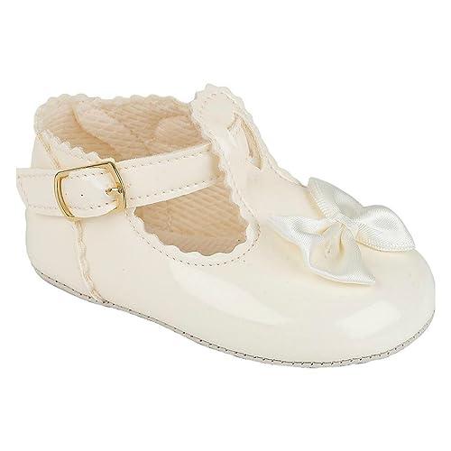 1785e58b1 zapatos del cochecito de niña para una boda o bautizo partido - Tamaño  Patente de Marfil