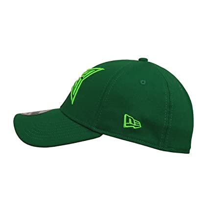 Green Arrow Symbol 39Thirty Fitted Hat at Amazon Men s Clothing store  3cd8973632b6