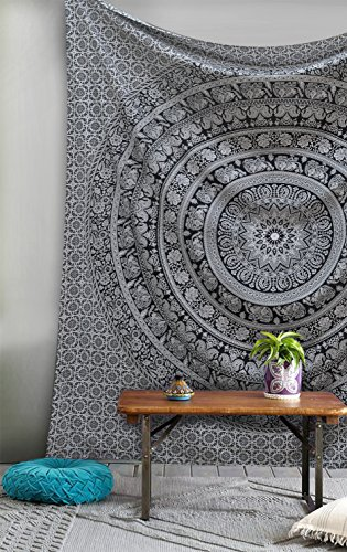 The 8 best tapestry under 10 dollars