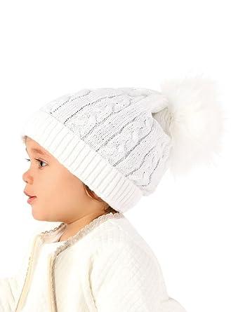 Boutique-Magique Bonnet Pompon Fourrure bébé  Amazon.fr  Vêtements ... 1b25ee52aab