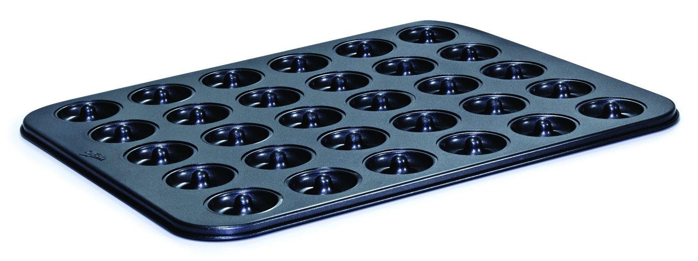 Mrs. Fields Bakeware Cutie Mini Donut Pan, Makes 30 Miniature Donuts, Black by Mrs. Fields Bakeware B00RGFY0BM