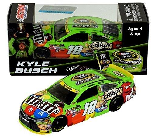 Kyle Busch 2015 NASCAR Sprint Cup Champion M&M's 1:64 Diecast Car]()