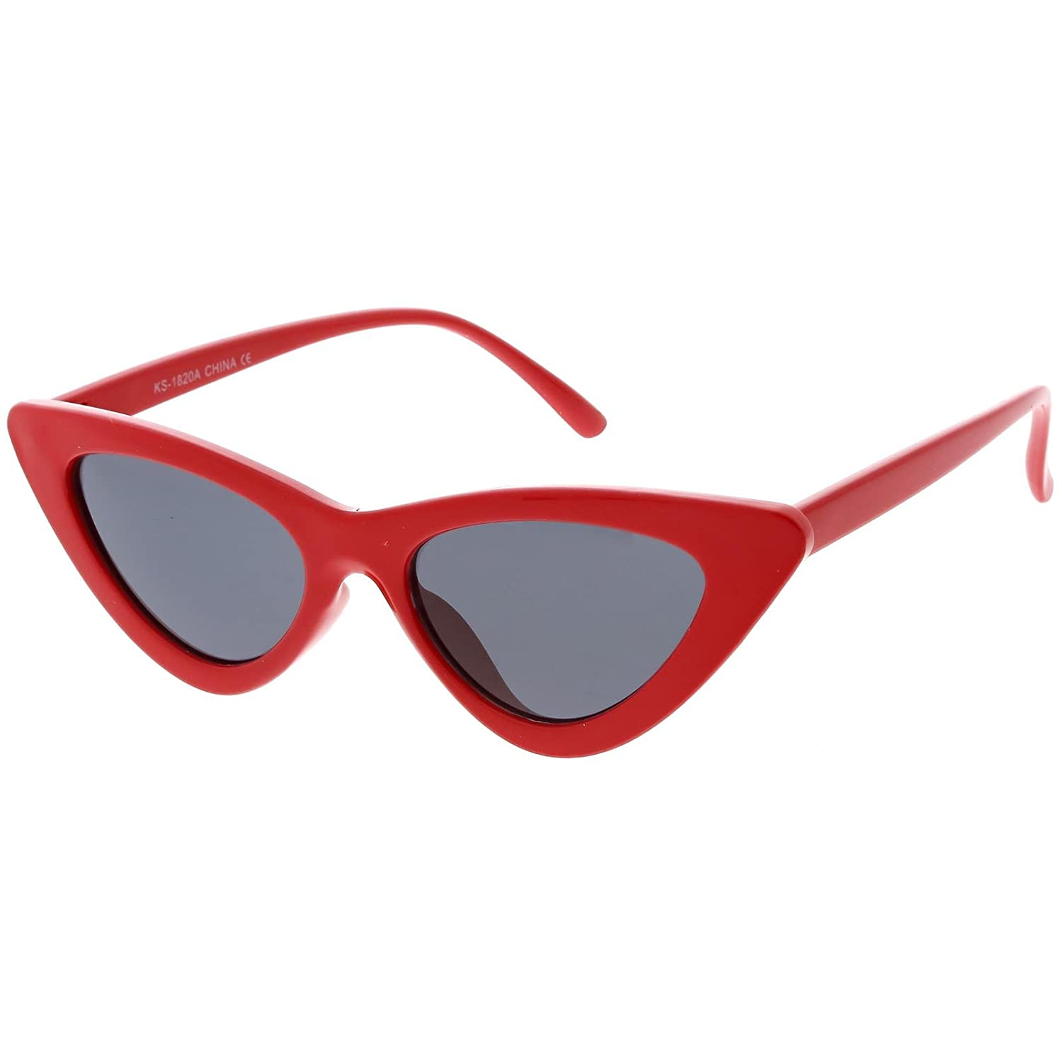 9f660ba7906b Amazon.com  sunglassLA - Retro Vintage Trendy Cat Eye Sunglasses for Women  with Flat Triangle Lens (Red Smoke)  Clothing