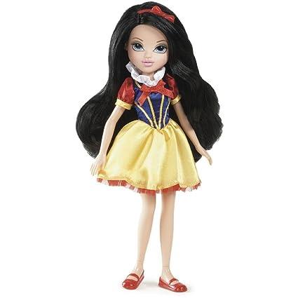 amazon com moxie girlz doll snow white merin toys games