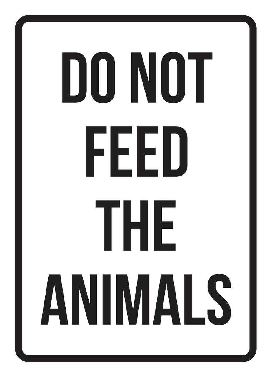 Do Not Feed The Animals No Parking Business Safety Traffic Signs Black - 7.5x10.5 - Plastic