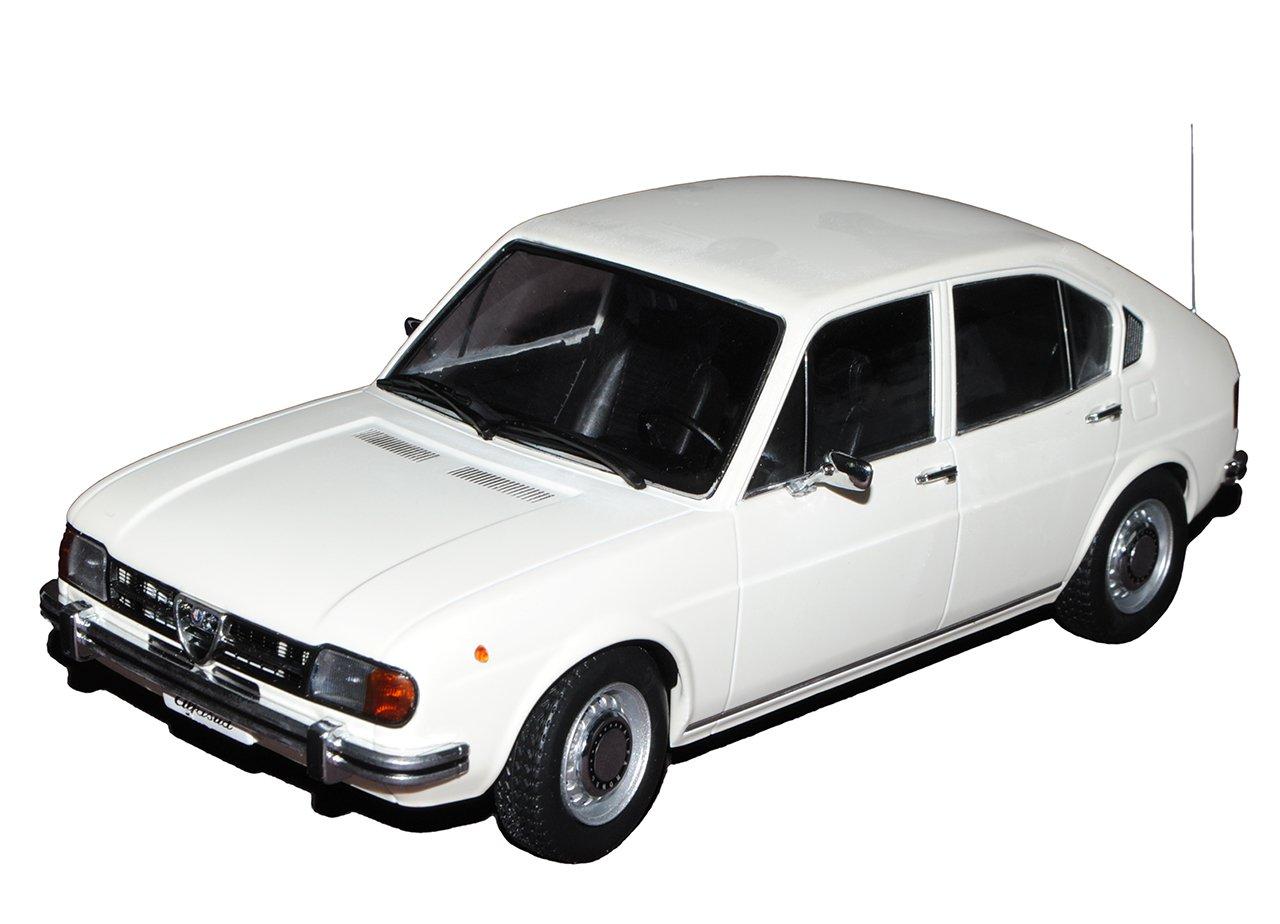 KK-Scale Alfa Romeo Alfasud 1.3 5 Türer Weiss 1972-1983 1/18 Modell Auto