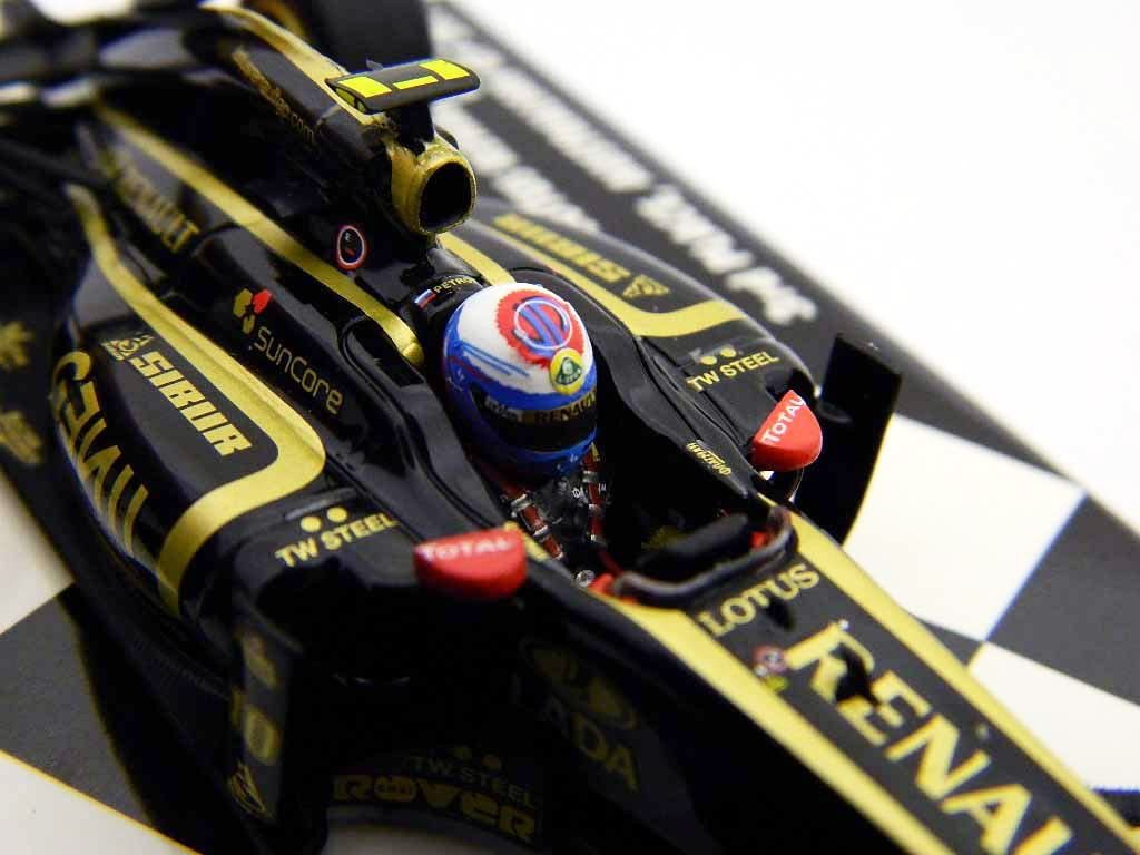 Lotus Renault F1 1:43 Scale GP R31 Vitaly Petrov 2011