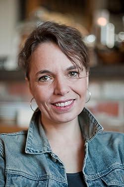 Veronika Peters