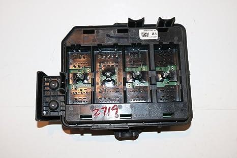 amazon com 08 11 chevy impala 3 9l under hood relay fuse box block rh amazon com
