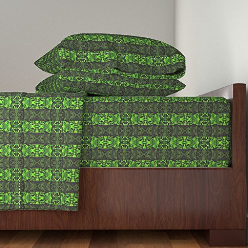 Roostery Fractal 4pc Sheet Set Green Fractal Stripes In Mirror Repeat by Anniedeb King Sheet Set made with by Roostery