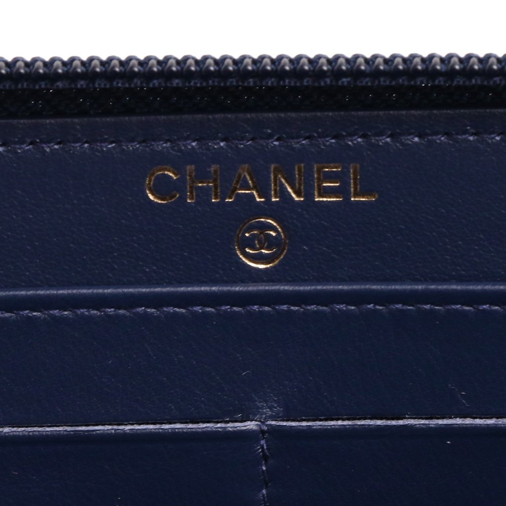 00cd153a61cc Amazon   (シャネル) CHANEL 長財布 ラウンドファスナー マトラッセ GOLD金具 (ネイビー) A80288 Y09939  3B864/BLUE   CHANEL(シャネル)   財布