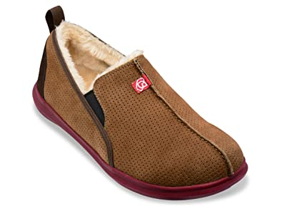 98cd0a3147f Amazon.com  Spenco Men s Supreme Suede Slippers   Headband Bundle  Shoes