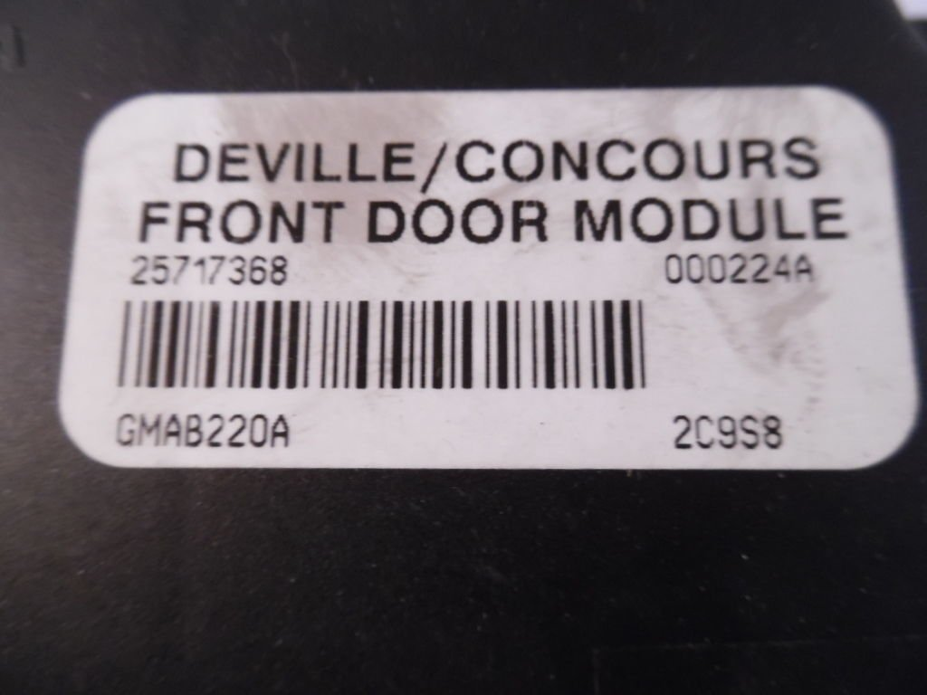 CADILLAC DEVILLE//CONCOURS FRONT DOOR MODULE 25717368 000315B GMAB220A