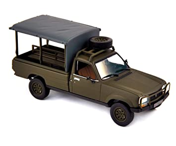 Norev 1 43 Scale Army Peugeot 504 Pick Up 1979 Model Car Amazon Co