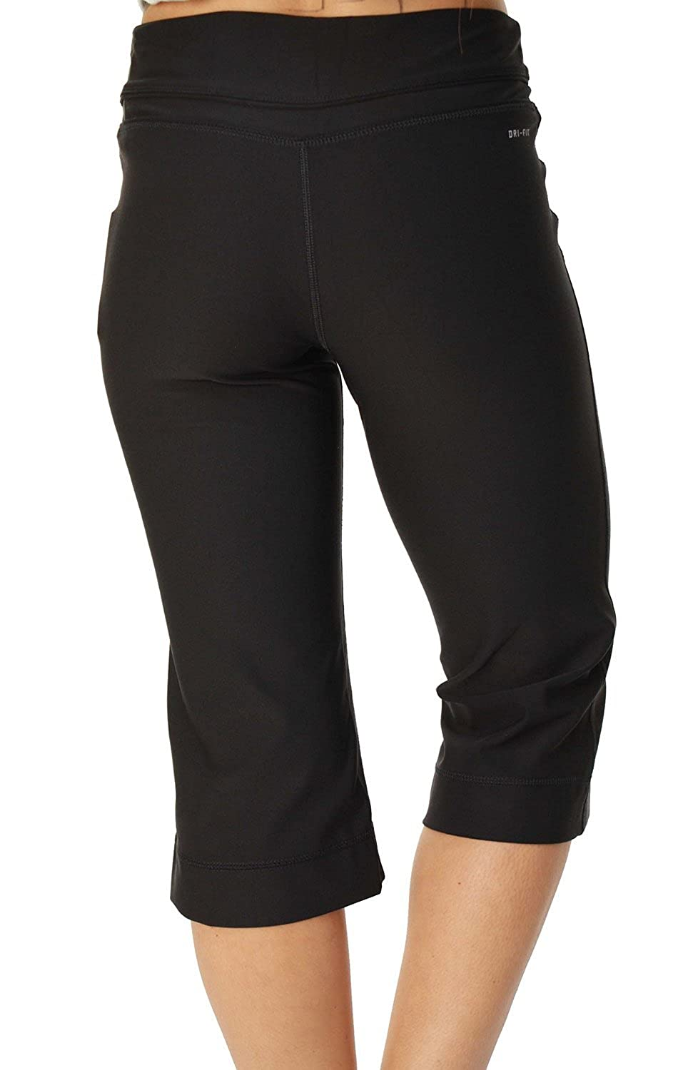 5b076409e76e Amazon.com  Nike Women s DriFIT Regular Fit Poly Running Capris Black