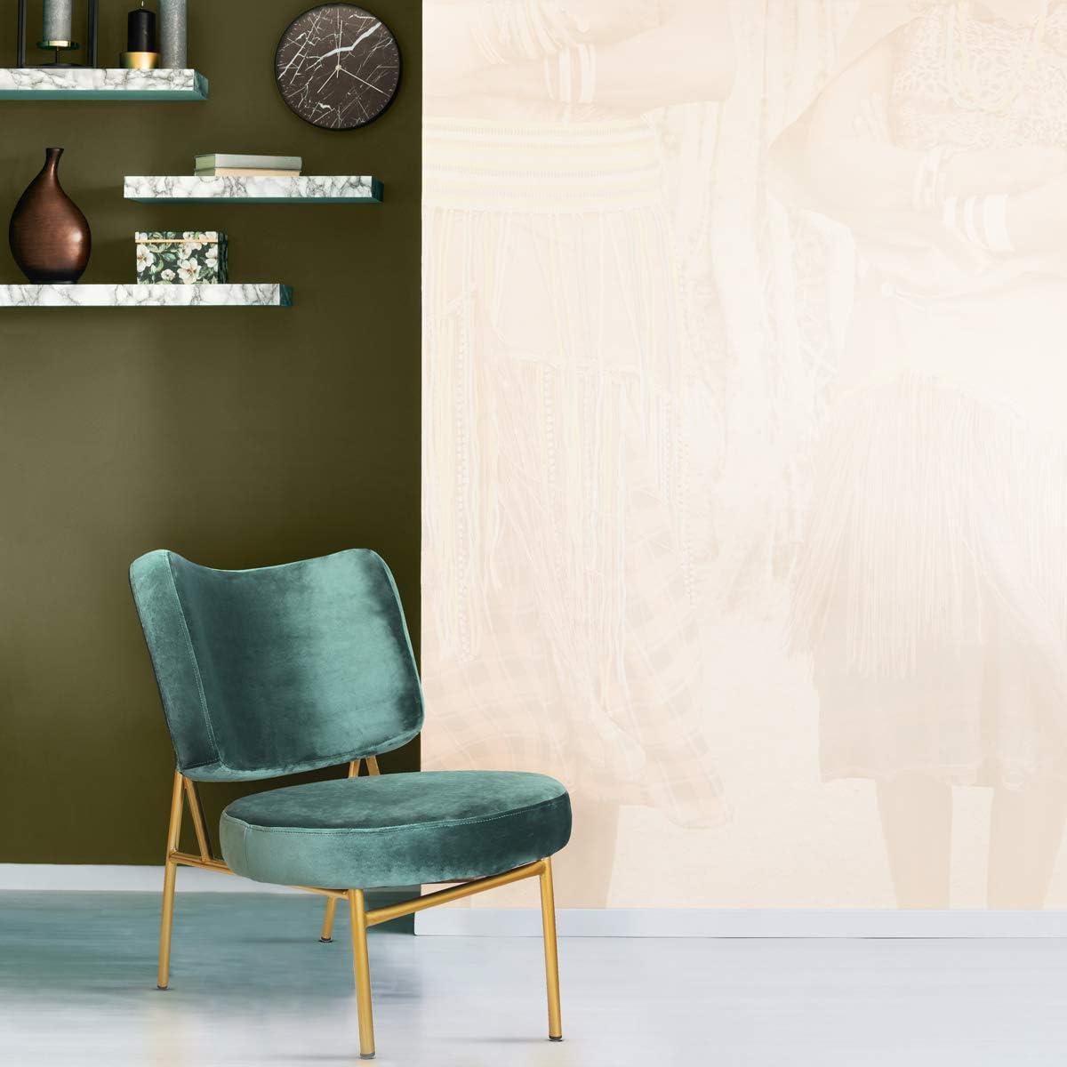 Mc Haus OSHA - Sillón Comedor de color Verde pino, Butaca Salón Tapizado en terciopelo, Asiento Acolchado cómodo y patas de metal color Dorado 43,5x63x76cm