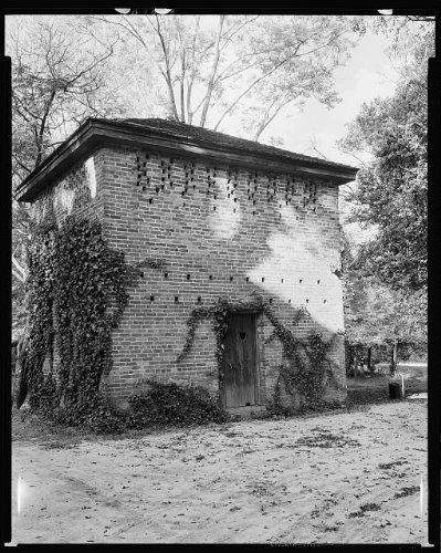 Photo: Saint Elmo, pigeonier, Talbottan Avenue, 29th Street, Columbus, Muscogee, GA, 1939 . Size: - Ga Shopping Columbus