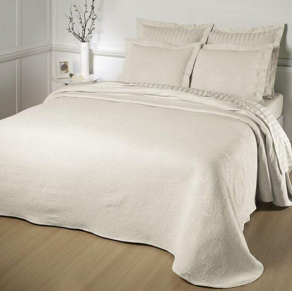 Kensington Rose Matelasse Bedspread, King, Antique
