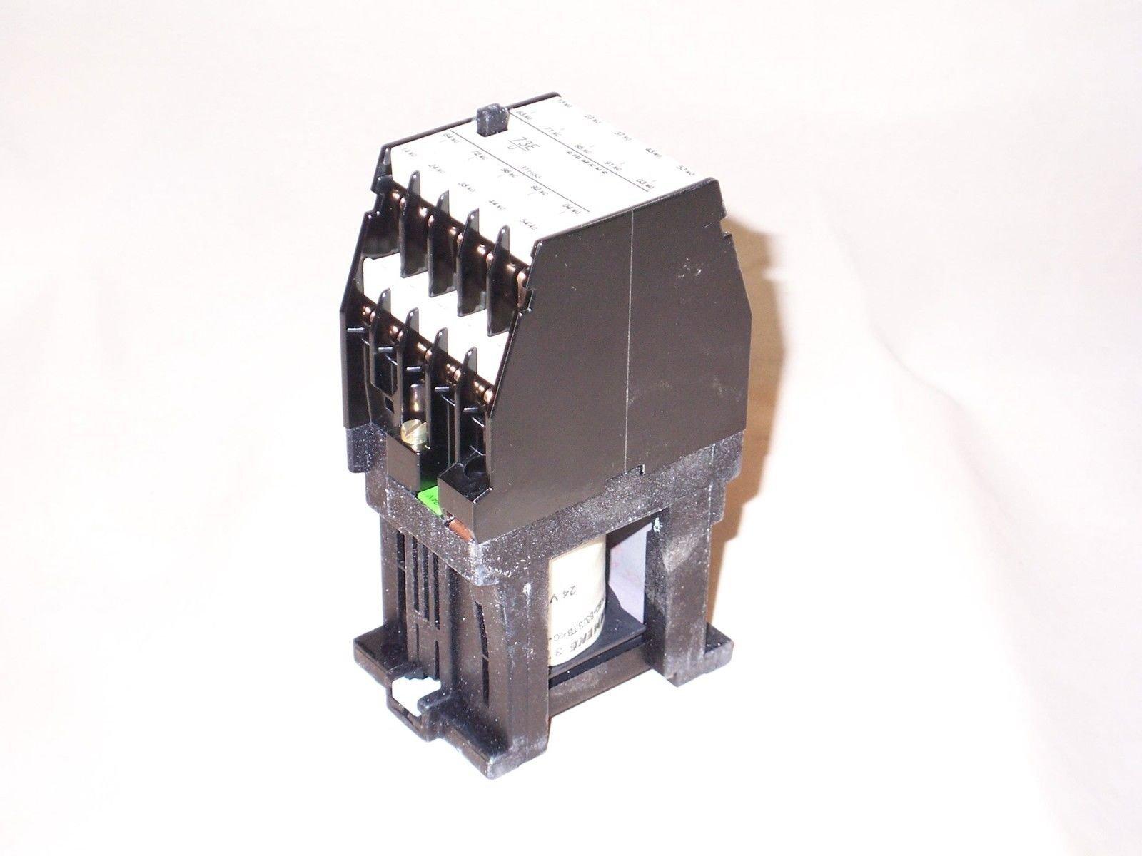 Siemens 3TH8346-0BB4 contactor relay 24VDC