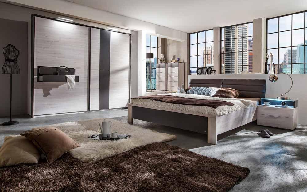 4-tlg. Schlafzimmer in Weißeiche Nachb. Schrankfront, Bettpolster und Abs. lavafarbig, Schwebetürenschrank, Futonbett und 2 Nachtschränken