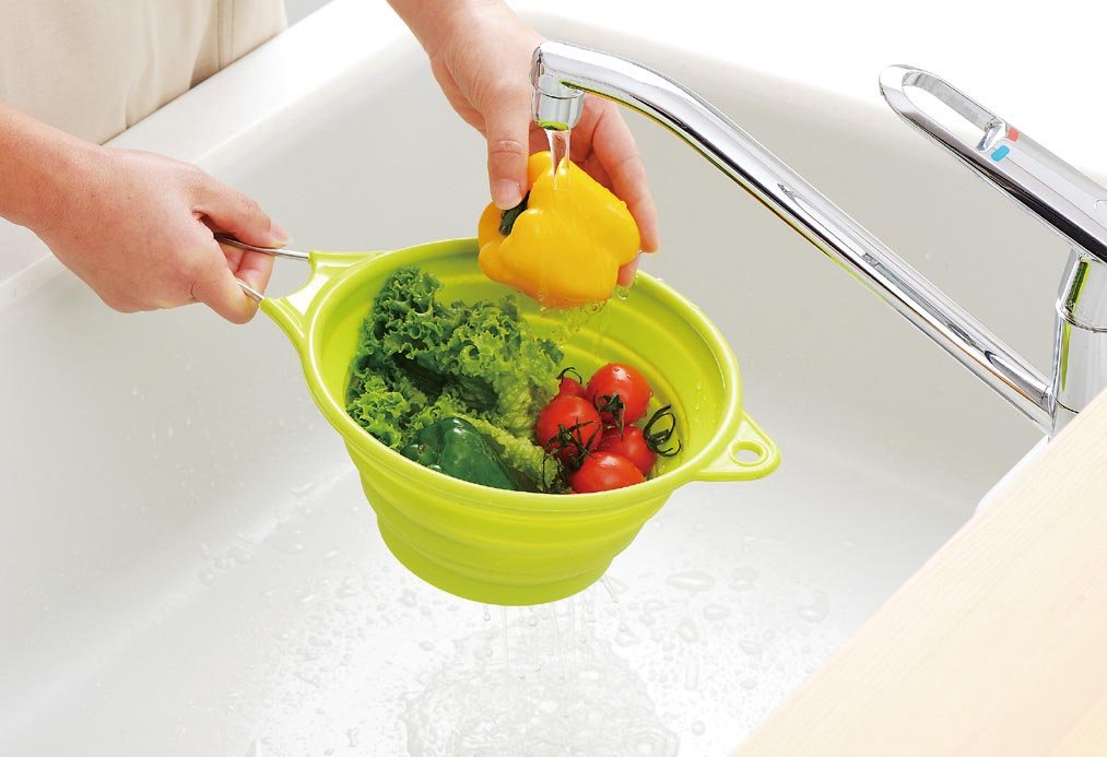 Silicon strainer with handle green