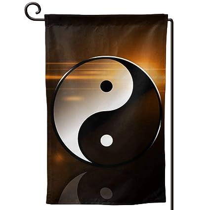 Amazon.com: Banderas de jardín de temporada de Cfean, Yin ...