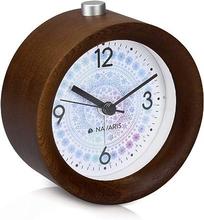 R/éveil analogique Classique Rond en Bois Naturel Horloge /à Aiguilles avec Fonction Alarme Snooze et lumi/ère Navaris Horloge r/éveil en Bois