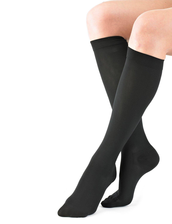 Neo G Travel Socks - For Mild Varicose Veins, Long Flights, Improving Circulation, Tired, Aching Legs, Everyday Comfort - Graduated Compression - Class 1 Medical Device - Medium - Black