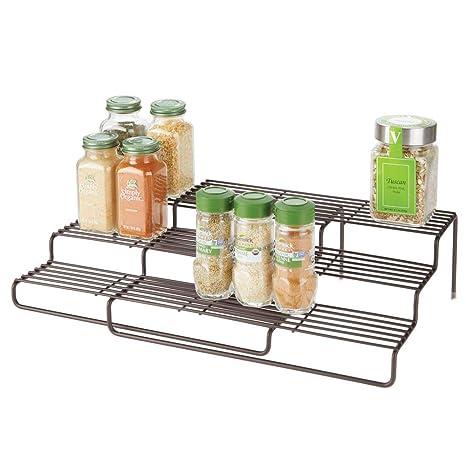 mDesign Gewürzregal für Küchenschrank – ausziehbares Küchenregal für  Ordnung in der Küche – praktischer Gewürzständer mit 3 Ebenen aus  rostbeständigem ...