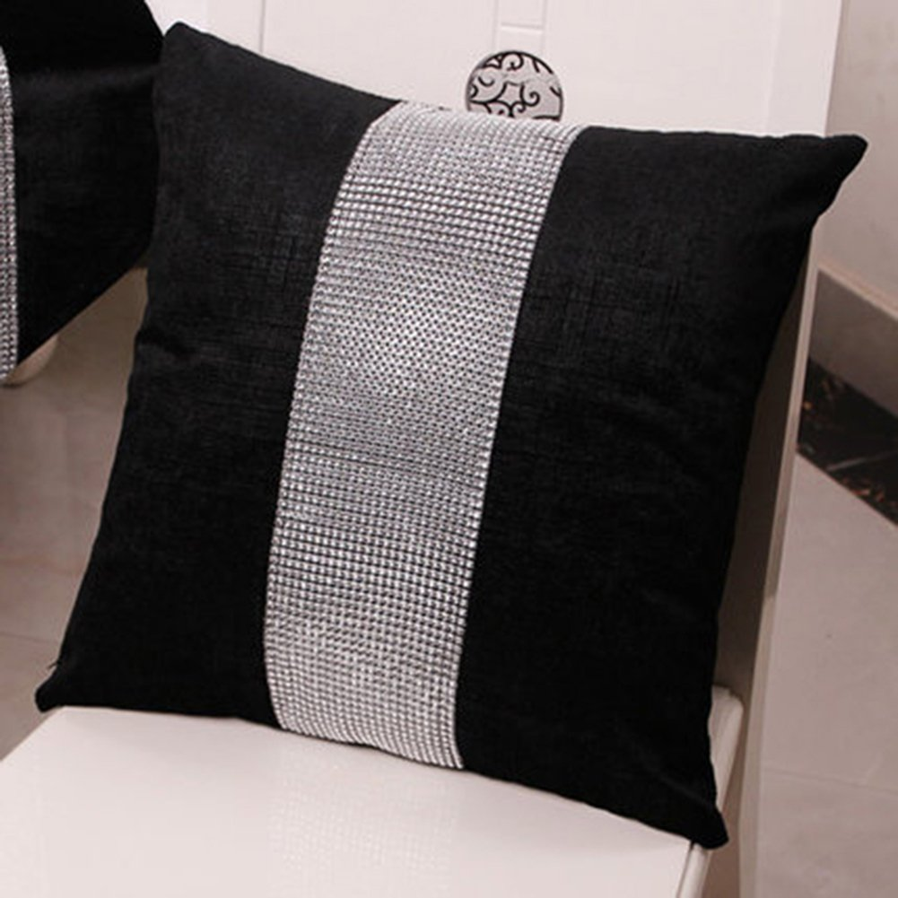 Meiyiu Stylish Graceful Velvet Throw Pillow with Diamond Chain Soft Sofa Cushion Decoration Modern Pillowcase Black 45 45cm