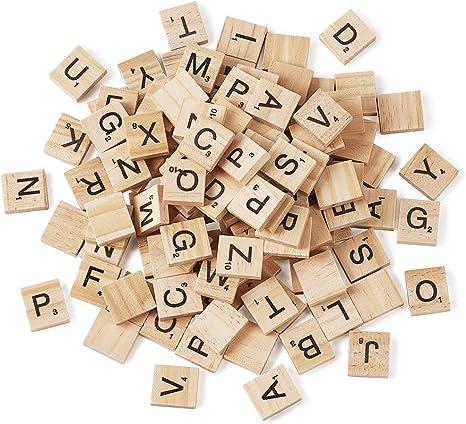 Craftdady 200 piezas de cabujones de madera de almendras en colores surtidos, letras cuadradas, cuentas de alfabeto para bricolaje, pulseras, collares, manualidades, papelería, decoración, Scrabble: Amazon.es: Juguetes y juegos
