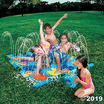 Fun Express Croc Crossing Inflatable Outdoor Sprinkler Game - Outdoor Water Splash pad Game: Toys & Games