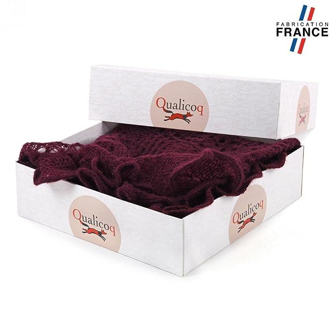 eddb4e2ca21 Qualicoq Echarpe triangle MAUDE Maille Bordeaux - Fabriqué en France   Amazon.fr  Vêtements et accessoires