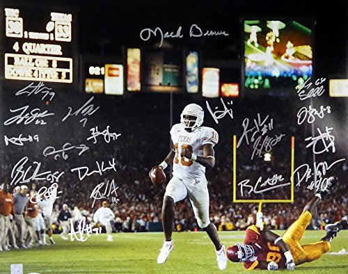 - 2005 National Champions Texas Longhorns Autographed 16x20 Photo With 20 Signatures Including Vince Young & Mack Brown - Beckett COA