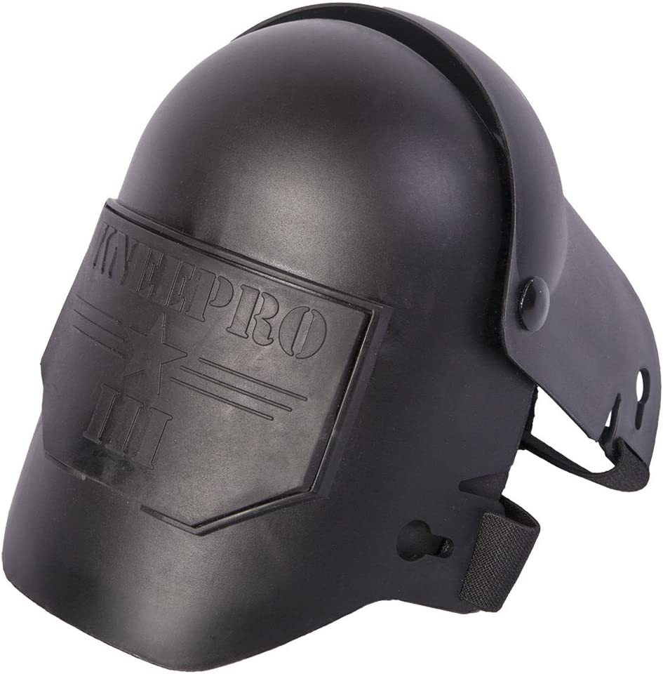 Image of the KNEEPRO tactical hard shell type knee pad, in black color. KNEEPRO word is embossed on the front part.
