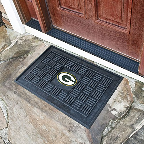 Fanmats NFL 18 x 30 in. Medallion Door Mat (Medallion Fanmats Nfl Mats)