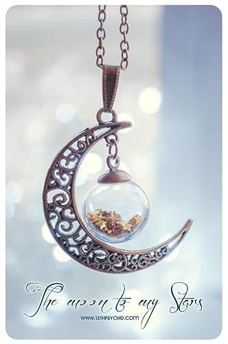 Colgante de Luna con esfera de cristal y estrellas de brillantina. Color de estrellas personalizable