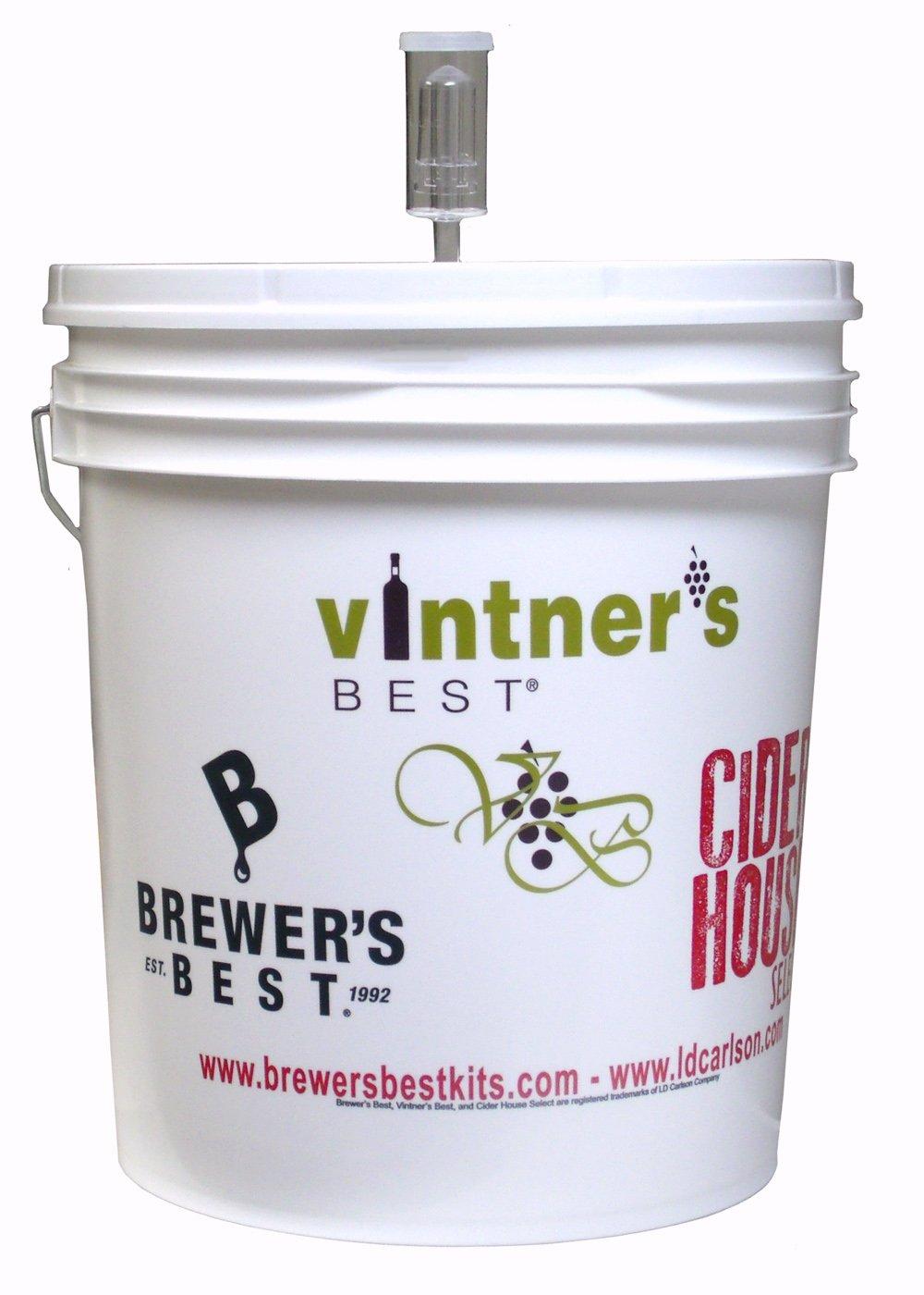 7.9 Gallon Plastic Fermenting Bucket with Lid & Air Lock