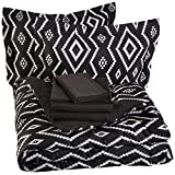 AmazonBasics 7-Piece Bed-In-A-Bag - Full/Queen, Black Aztec