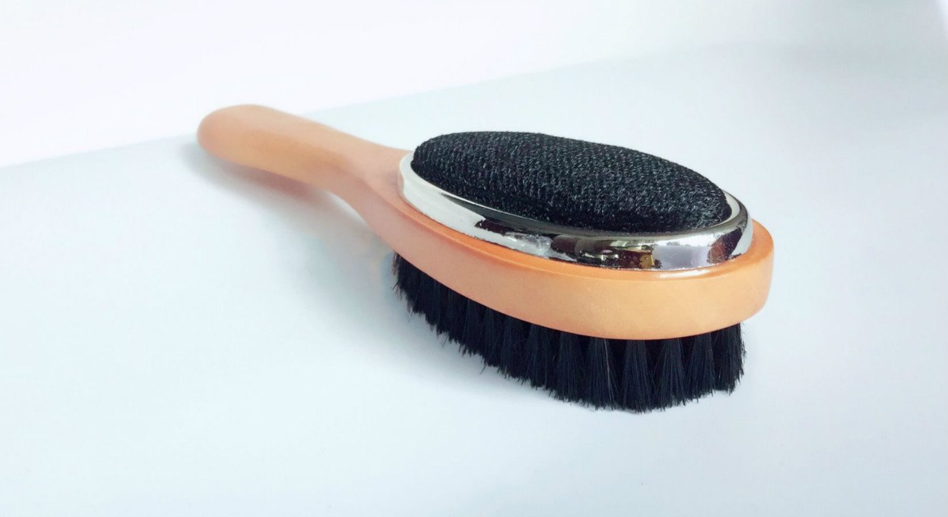Alsomtec Garment Care Clothes Brush and Lint Removal (3 in 1 Clothes Brushes, Lint Brush and Shoe Horn)red Wood and Wood (wood)