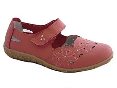 74395faad38 Lifestyle by Cushion walk Womens Full Leather Casual Comfort Velcro Mary  Jane Loafers Flat Walking Shoes