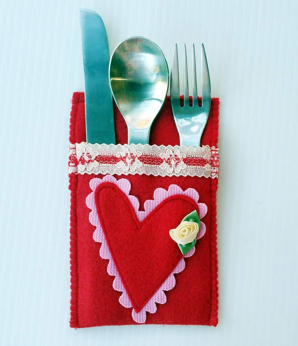 Valentines Day Gift Money Pouch Flatware Utensil Holder Cozies Heart Accent Table Decor Accessories