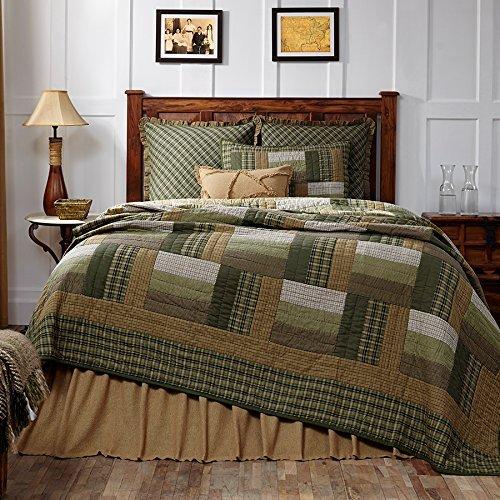 VHC Brands Montgomery Queen Cotton Quilt in Green