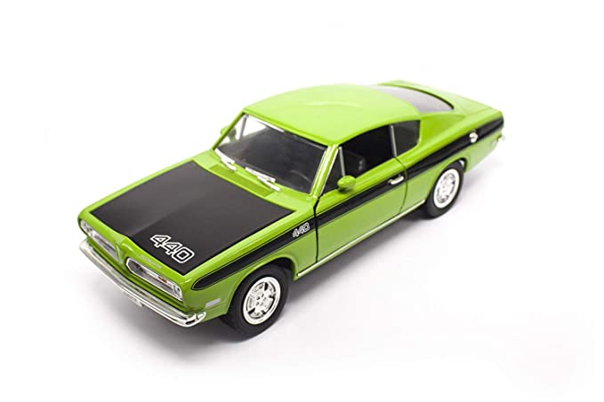 1969 PLYMOUTH BARRACUDA 440 GREEN 1:18 MODEL BY ROAD