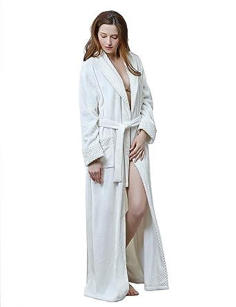 49ea9a4a5f Women s Soft Warm Fleece Bath Robe Long Plush Robe with Pockets Couple  Pajamas